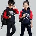 2016 Otoño moda niños deportes juegos de ropa de niños niños y niñas de algodón cálido traje de dos piezas