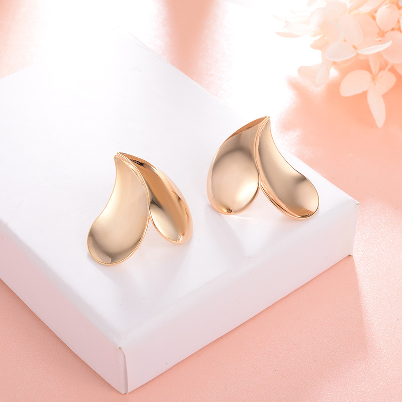 Heart Earrings Gold Color Alloy Material Fashion Jewelry Women Accessories Stud Earrings for women Brincos 2018