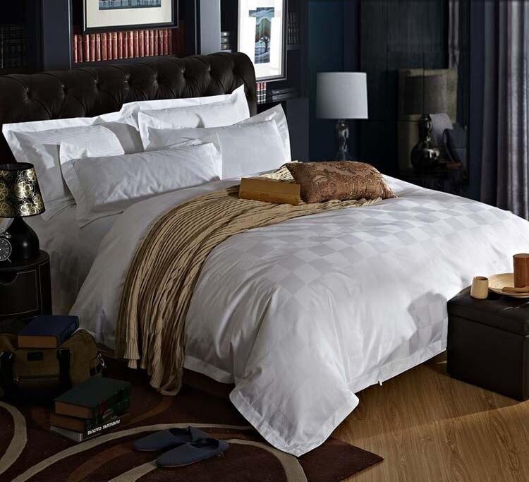 Hotel cinco Estrelas 100% algodão colchas roupa de cama do hotel de Luxo De cetim branco elegante jogo de cama capa de edredão Queen size Rei