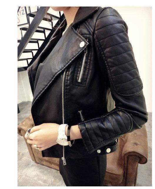 2016 Nuevas Mujeres de La Moda Chaquetas CALIENTES Del Invierno Del Otoño de Imitación de Cuero Suave de La Pu Negro Blazer Cremalleras Escudo de La Motocicleta prendas de Vestir Exteriores