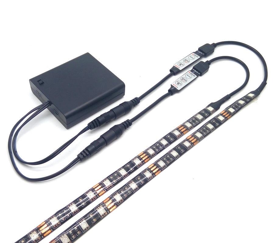 Dvojitá výstupní baterie LED páska 5050 RGB Černá PCB IP20 / IP65 Vodotěsné osvětlení 4 * AA baterie s 2ks RGB řadičem