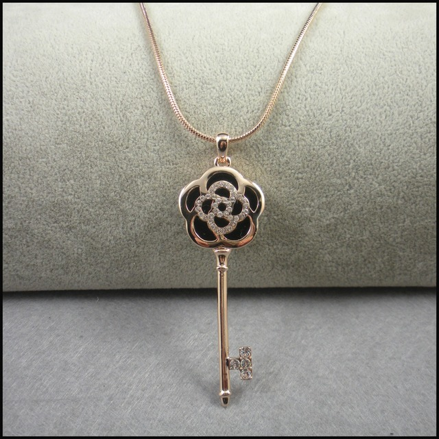 Vintage key necklace autumn and winter