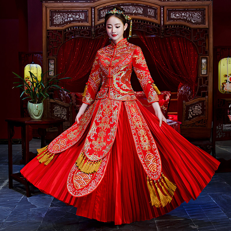 Traditional Chinese Gown New Bride Wedding Dress Embroidere Fashion Vestido Oriental Style tassel Dresses Elegant China Qipao