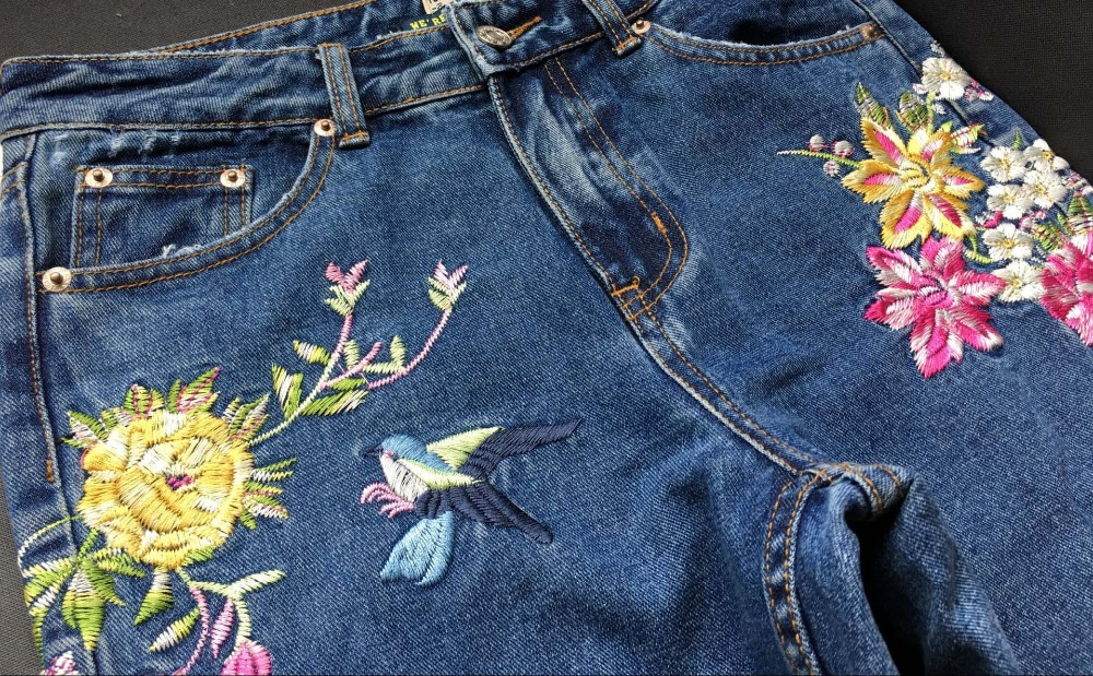 2017 Europe and the United States women's three-dimensional 3D heavy craft bird flowers before and after embroidery high waist Slim straight jeans large code system 46 yards (14)