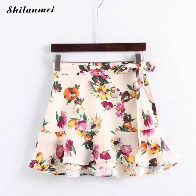 b4bbcf218 2018 new Simple Boho white floral print mini skirt Elastic waist short  skirt women A-line casual beach summer skirt