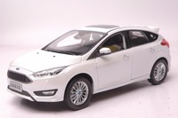 1:18 Diecast Model for Ford Focus 2015 White Hatchback Rare Alloy Toy Car Miniature Collection Gifts Freestyle