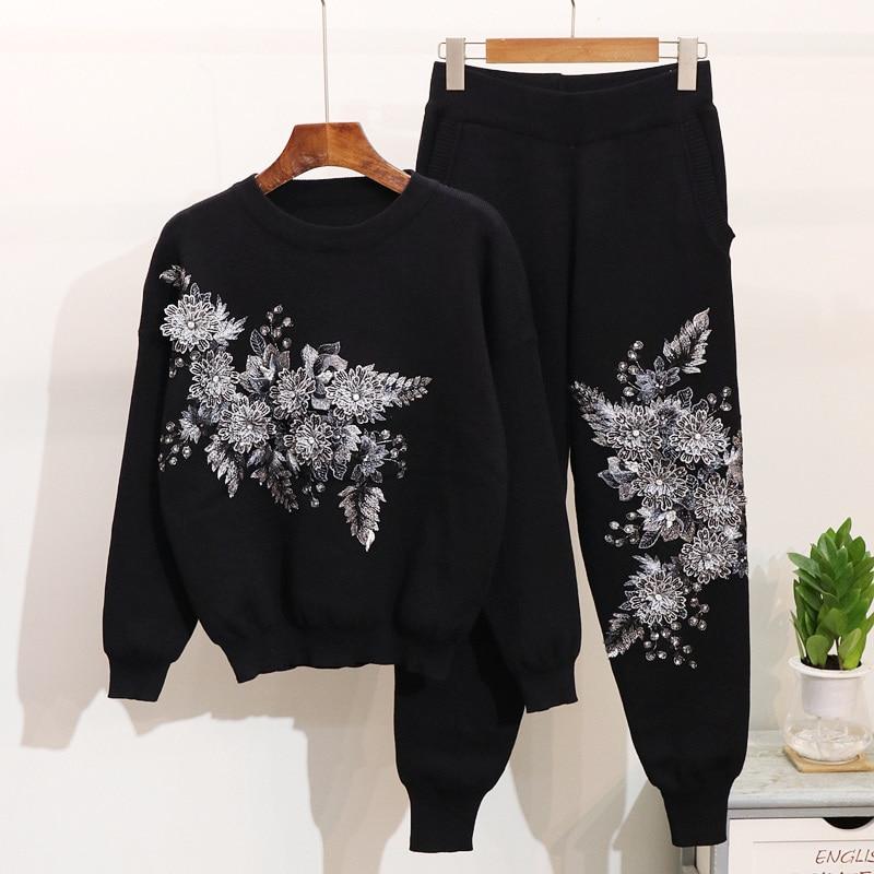 2019 Otoño Invierno flor cuentas bordado Casual deportes punto pantalones mujeres suéter Tops traje de pista-in Conjuntos de mujer from Ropa de mujer    1