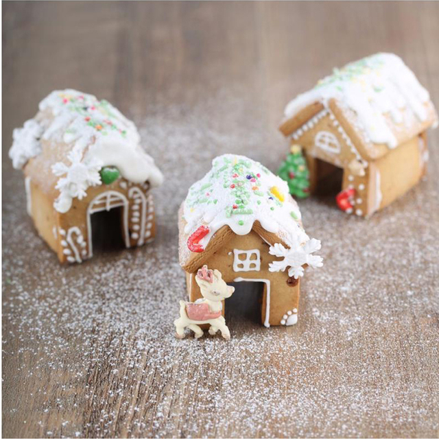 Us 3 81 2018 3pcs Set Christmas Baking Mold Mini House Shape Cookies Molds Gingerbread House Cookie Cutters Stainless Steel Mold In Stands From Home