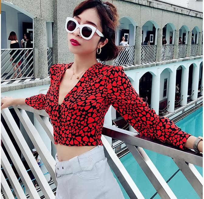 Court Profonde Soie 100 Rouge Coeur Imprimer sid V Top Pincé Cou Longues Femmes Mince Manches Taille Kaia Avant Chemise La Bouton ABnvFUq