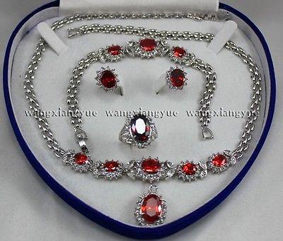 Rouge Zircon Inlay Bracelet Lien boucles d'oreilles Anneau Collier Set>> 18 K GP Plaqué or De Mariée large montre ailes reine JEWE