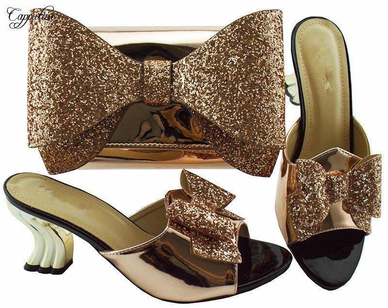 Великолепные Свадебные/вечерние champagn Высокий каблук Сандалии комплект обувь и сумки набор с бантом дизайн YM001A