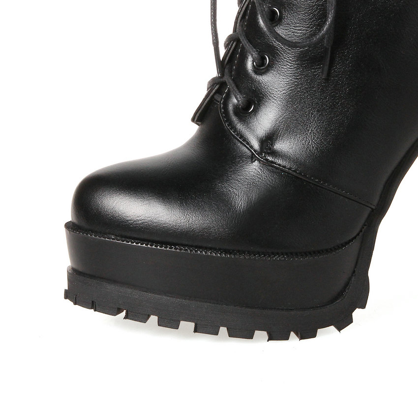 Qutaa/2018 г. женские ботильоны на высоком квадратном каблуке Кружево на шнуровке острый носок Для женщин черного цвета на платформе женские мот...
