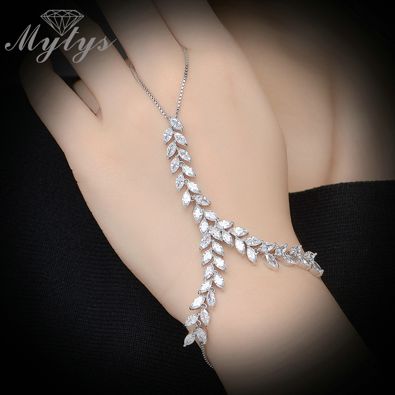 Mytys Fashion Trendy Slave Bracelet Ring Hand Palm Bracelet Connected Finger Ring Zircon Vine Leaf Chain Bracelet with Ring R979 bird leaf decorated bracelet
