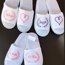 Новые пользовательские блеск Венок Свадебные тапочки, невесты и невесты имя тапочки, свадебные тапочки. девичник вечерние сувениры