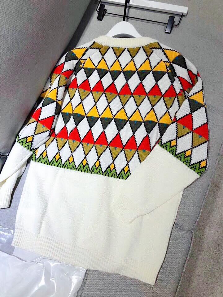 Marque de luxe chandail tricoté pour les femmes Vintage col en V diamant treillis couleur correspondant Cardigans tricotés Beige - 3