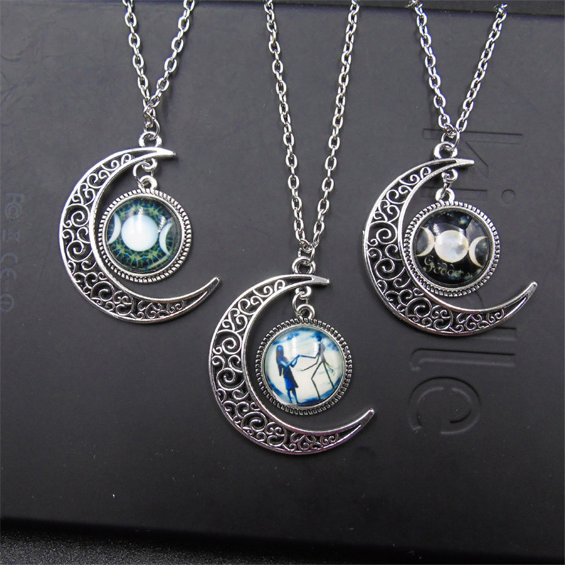 Triple Moon Goddess Black Witch Worshipers Stars Starry Moon Necklace Womens Jewelry Long Chain Gift Travel Commemorative Alloy