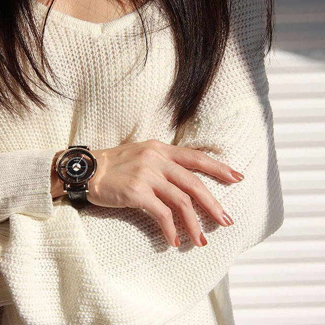 Luxury Women Neutral Personality Simple Analog Wrist Delicate Unique Hollow Watc