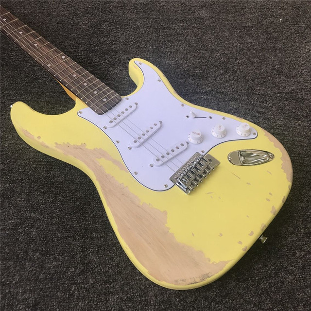 ST -  High Quality Vintage Relic - Noiseless Pickups