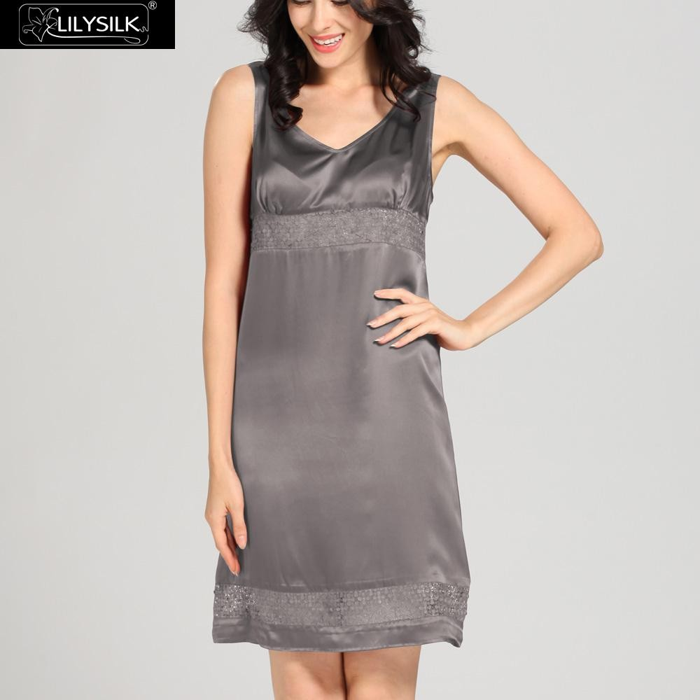 1000-dark-gray-22-momme-luxury-lacey-silk-nightgown-&-dressing-gown-set-01