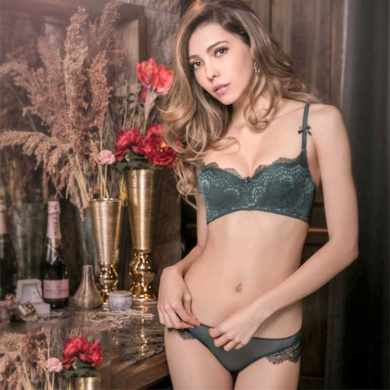 Young Girl Green Sexy Bra Set Plus Size D Cup Thin Cotton Brassiere Lace Underwear Women Sets Black Embroidery Lingerie Luxury
