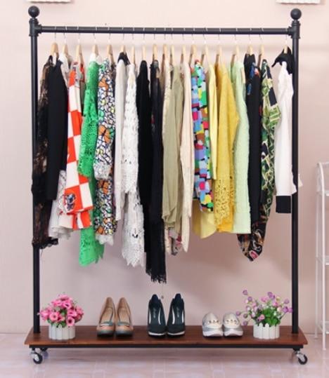 Hierro forjado ropa estante estanter as de madera tablero - Estanteria para ropa ...