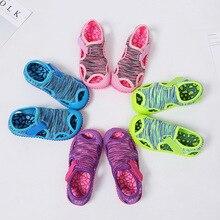Летние сандалии для маленьких девочек и мальчиков; Детские пляжные сандалии; нескользящая обувь с мягкой подошвой для младенцев; Детская уличная обувь для предотвращения столкновений