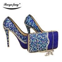 Свадебные туфли с сумочкой в комплекте синего цвета и серебристого цвета; комплект из туфель и сумочки; модная обувь; женские туфли лодочки