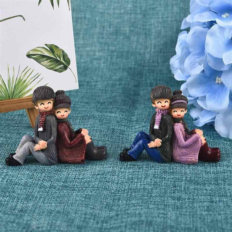 Creative Back-To-Back Lovers Couple Resin Ornaments Moss Micro Landscape Home Garden Wedding Decoration