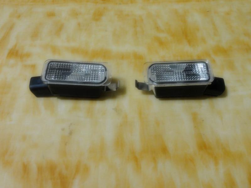 Η πινακίδα κυκλοφορίας αυτοκινήτων - Φώτα αυτοκινήτων - Φωτογραφία 3