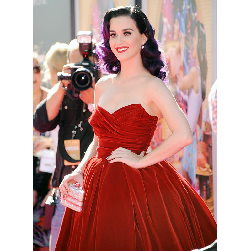 Katy Perry Celebrity Dresses Velvet Vintage Sweetheart Ball Gown Red Prom  Dresses Red Carpet Dresses Knee Length Cocktail Gowns-in Celebrity-Inspired  ... fa0f5ddd0fdf