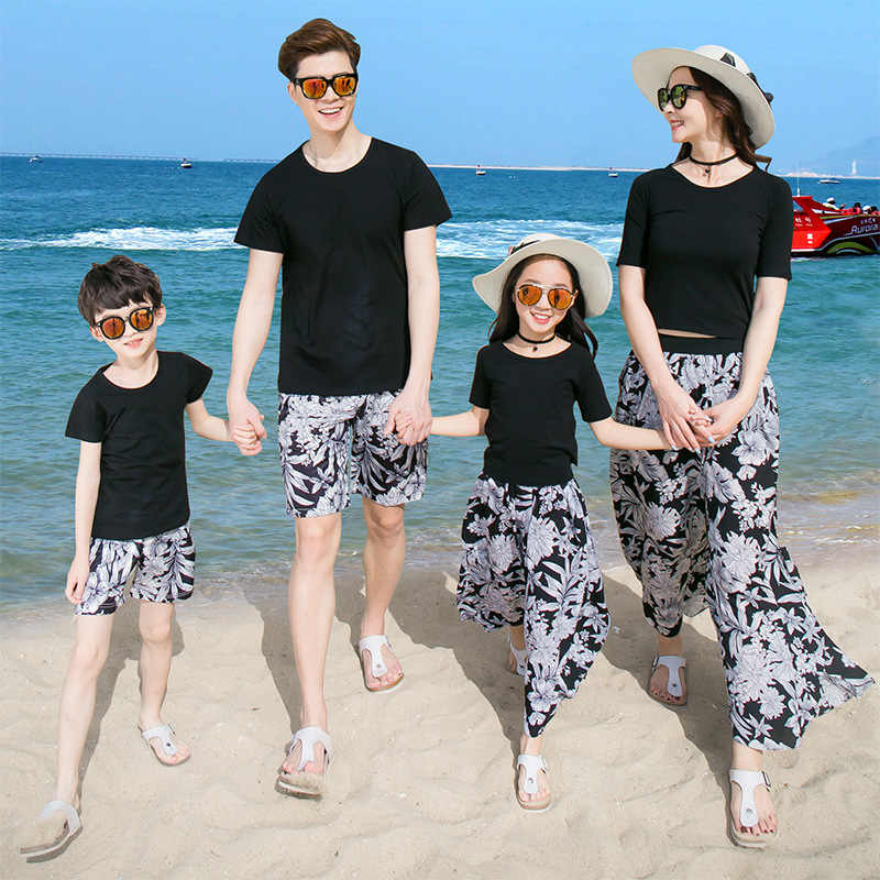 51fed0b3ca 2018 New Beach Family Matching Outfit Cotton Mother/Mom and Daughter Dress  Clothes Father Son