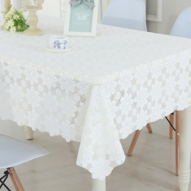 Lace Tablecloth with Daisy's