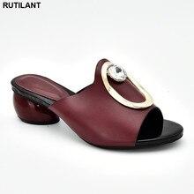 2019 chaussures de luxe femmes Designers dames sandales à talons pompes femmes chaussures décorées avec strass italien élégant pompes