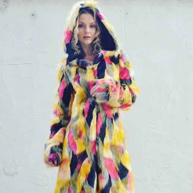 parcourir les dernières collections concepteur neuf et d'occasion mode Manteau de veste longue en fausse fourrure multicolore rouge vert oversize  automne hiver avec capuche pour femmes