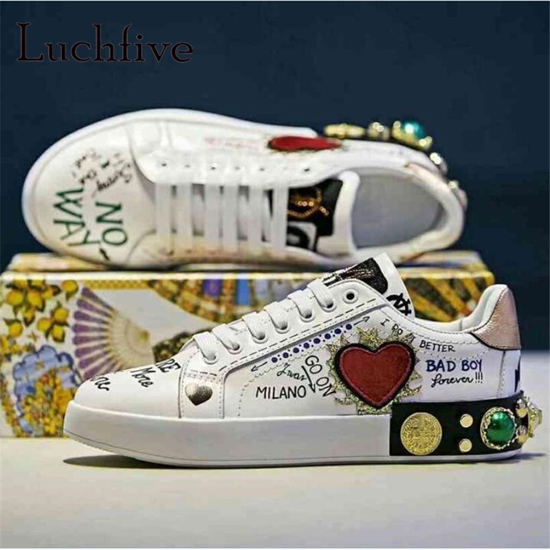 Graffiti Print Pattern Women Casual Shoes Classic Round Toe Rivets Flat Leisure Outwear White Lace Up Runaway Shoes Woman(China)
