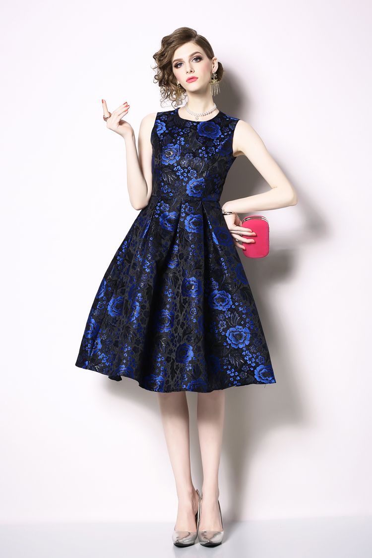 Elegant Sleeveless Printed Vintage Swing Dress 4