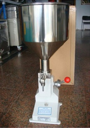FREE SHIPPING A03 NEW Manual Filling Machine (5~50ml) for cream , shampoo , cosmetic,Liquid filler packing machinery