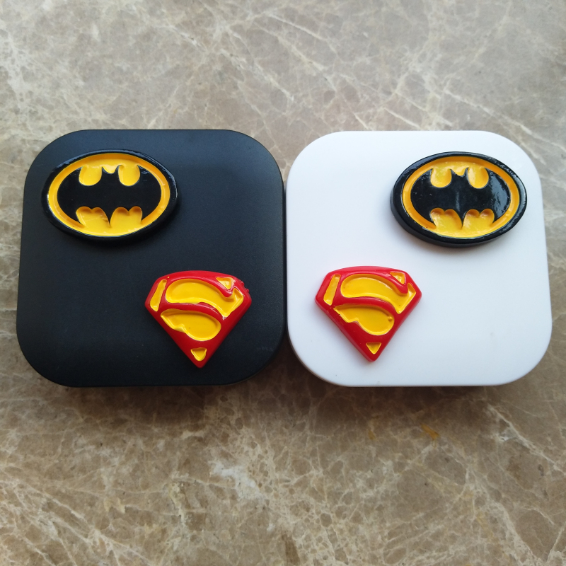 Liusventina 2018 New Cute Batman Superman Sexy Lips Combo Contact Lens Case Box Container For Color Lenses Lover Gift For Girls Eyewear Accessories