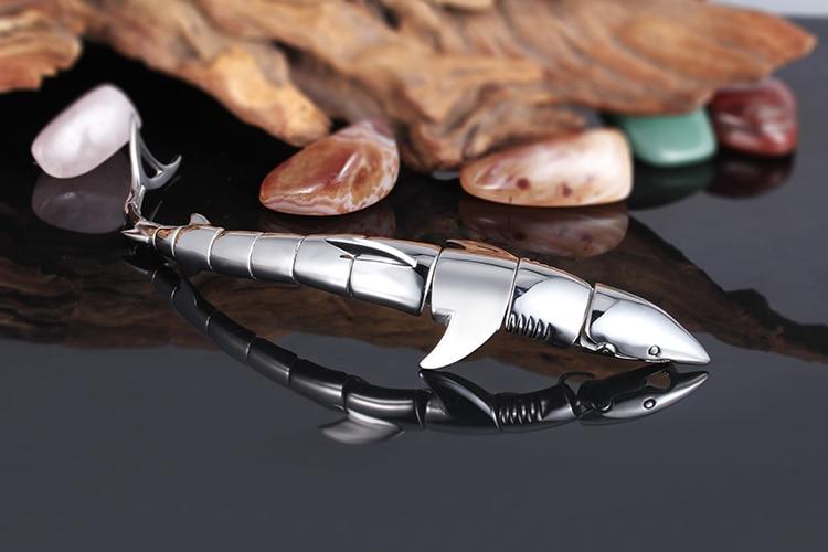 """Fin Bite"" Steel Shark Bracelet Gold / Silver 8"