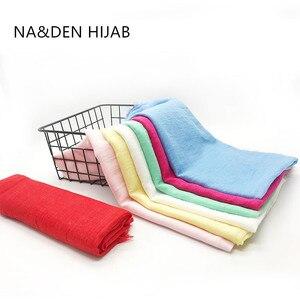 Image 2 - 特大無地女性スカーフファッション固体ビスコース綿タッセルカラーロングスカーフイスラム教徒基本ヒジャーブヘッドスカーフ 10 個高速配送