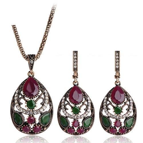 Vintage Jewellery Sets...