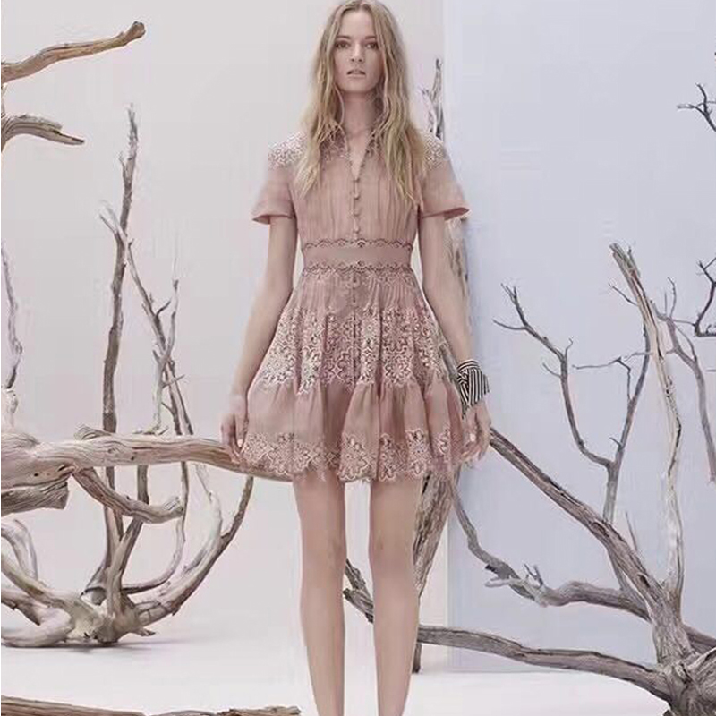 Nouvelle Europe nouveau printemps et d'été montrent mince coton élégant tempérament couture dentelle robe Revers solution