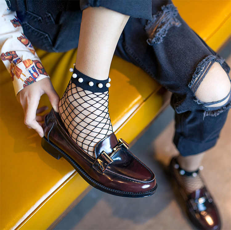 a71b955dc4a42 ... Chic Streetwear Women's Harajuku Breathable Imitation Pearl Fishnet  Socks.Sexy Hollow out Nets Socks Ladies ...