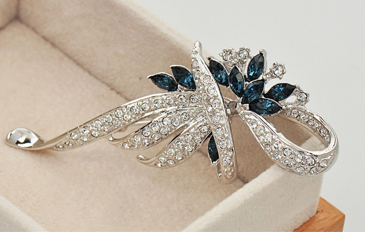 SHUANGR Luxury Crystal Flower Brooch Lapel Pin Rhinestone Jewelry Women Wedding Hijab Pins Large Brooches For Women brooches 10