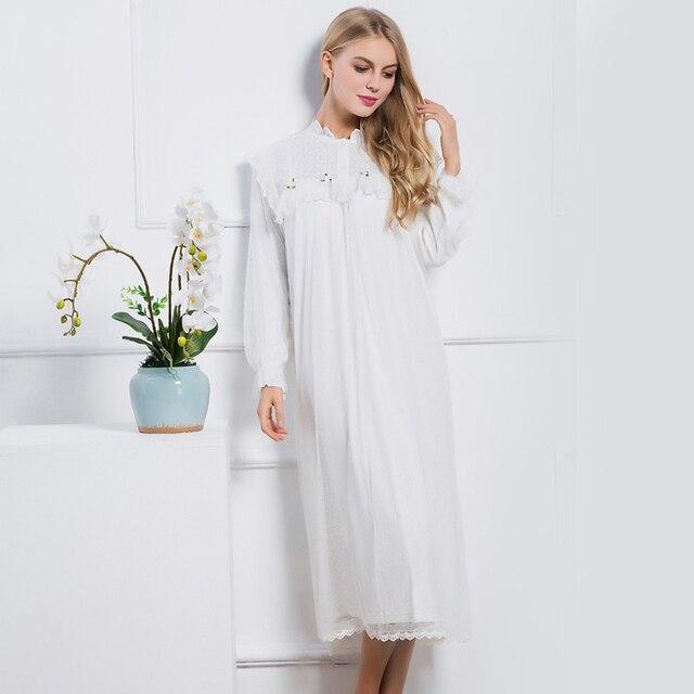 Sleepwear Nightgown 2017 New Women Fashion Sleepwear Dress Pink Vintage Royal Princess Nightwear Embroidery Long Nightgown
