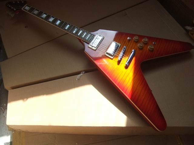 цена на Wholesale Cibson Flying V Electric guitar, Flying V shape+Body top tiger flame maple, In Cherry All Color are available 101005