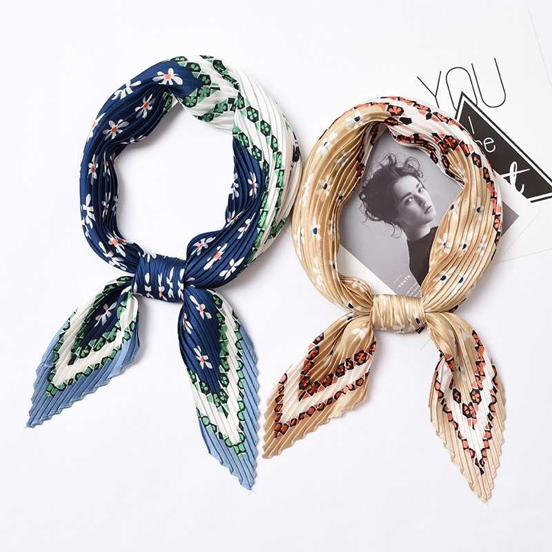 Большой плиссированный небольшой квадратный шарф в стиле ретро на весну и осень