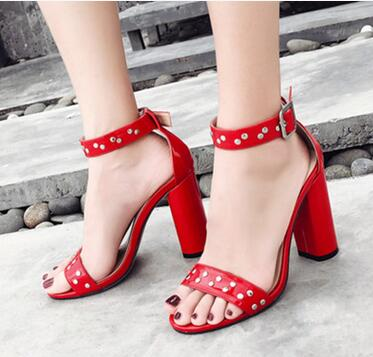 2018 summer new Europe and the United States rivets with the word rough with high-heeled female sandals