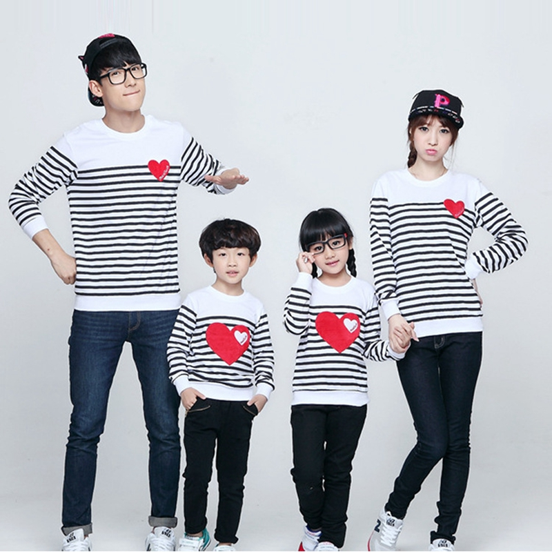 New Autumn Family Matching Outfits Cotton Family Sweatshirt Mother Father Kids Striped Long Sleeved T-shirts Children Clothes