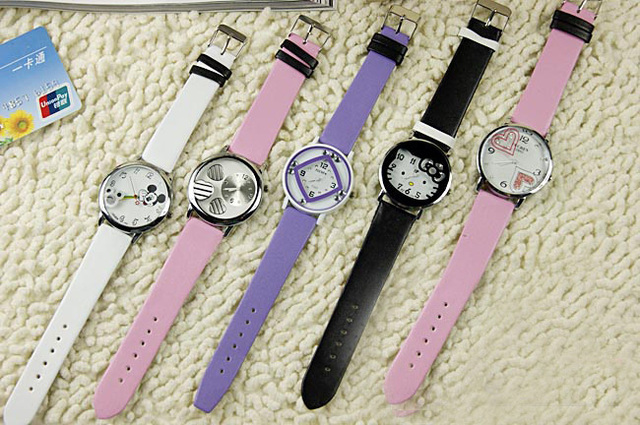 2013  Popular Silicone Quartz Child/Women/Girl Unisex Jelly Wrist Watch accept Drop Removable Shipping The cartoon love  watch